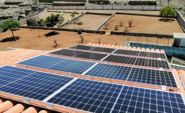 Paneles solares en Canarias por GHC
